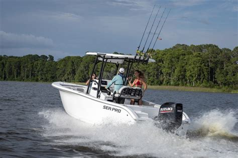 Suzuki Jet Outboard by Honda Marine Introduces Three New Jet Drive Outboard