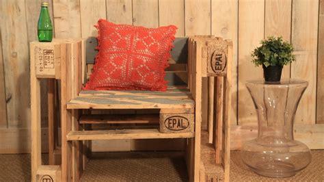meuble fabrique avec des palettes dossier je fabrique des meubles avec des palettes 10 vid 233 os faciles