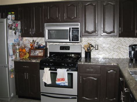 Need help with cabinet and wall color in the kitchen