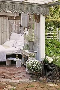 Gartenhaus Shabby Chic : shabby chic romantische sitzecke im garten stylecheck gartenm bel vintage shabby chic ~ Markanthonyermac.com Haus und Dekorationen