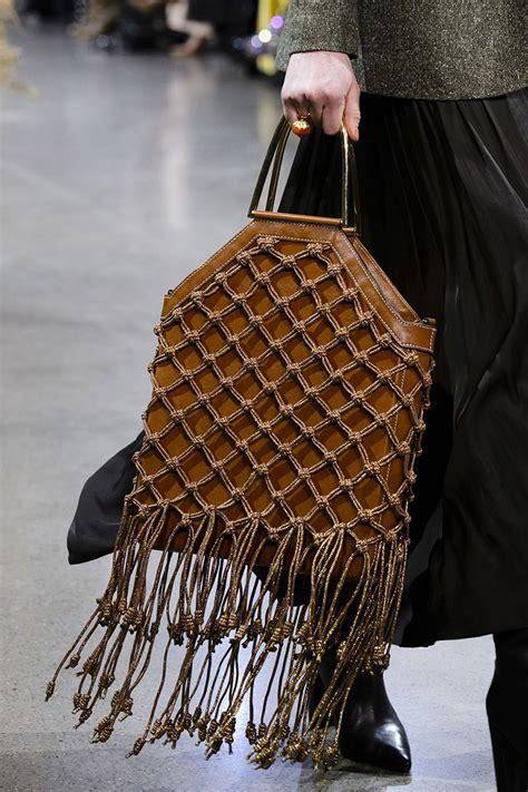 Модные женские сумки 2019 – 2020 года фото тренды уличная мода . tvoyalady портал для представительниц прекрасного пола