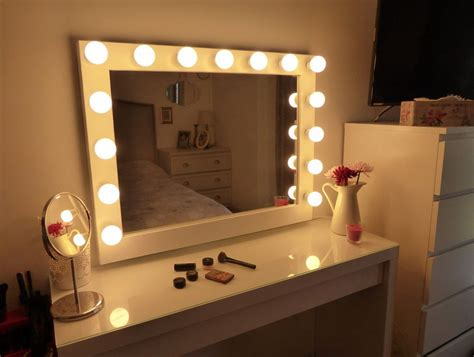 Bedroom Vanity With Lights by Vanity Set With Lights Makeup Vanity Mirror With Lights