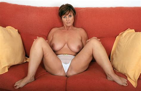 Newfolder Porn Pic From British Milf Joy Shows Herself And Her Toy Sex Image Gallery