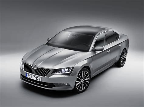New Skoda Superb lighter by 75 kg launch in India by H2 2016