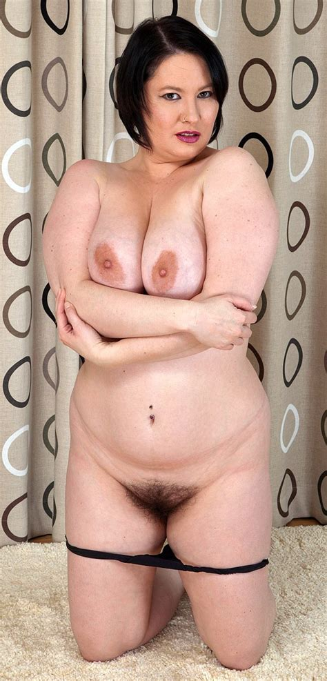 Uk Milf Alabama With Hairy Pussy Has A Nice Big Tits