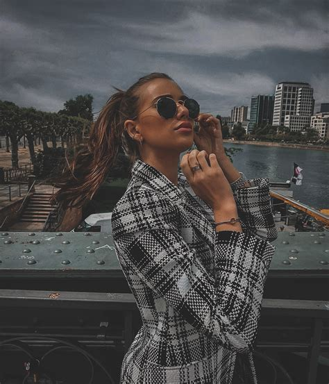 Download the perfect lightroom preset pictures. Dark Green - Premium Preset Lightroom free download ...