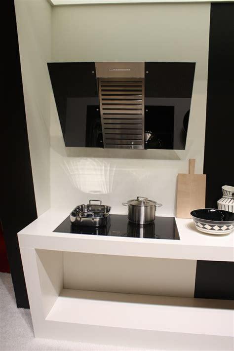 la hotte de cuisine hottes de cuisine design une sélection du salon eurocucina