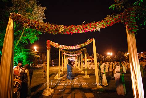 theme wedding decoration ideas bengali wedding decor ideas wedding decorations flower 1548