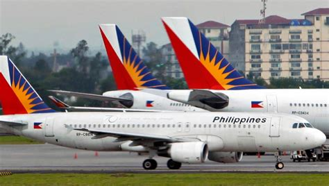philippine airlines lands  auckland airport