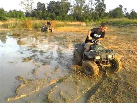 mudding four wheelers mud bogging in sc four wheelers youtube