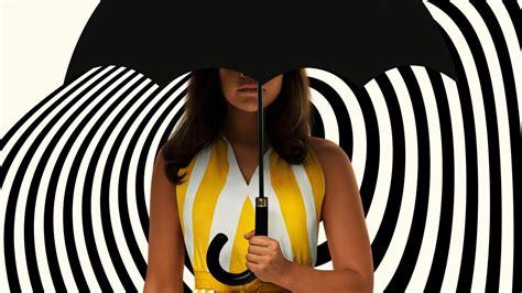 The Umbrella Academy: Grace, sin saber, al alejarse de ...
