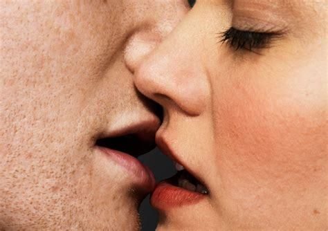 Making Out In Public Is All About Making Other People Jealous New Study Says Maxim