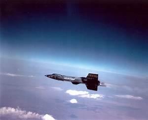 The 10 Fastest Military Aircraft Ever Built | Boldmethod