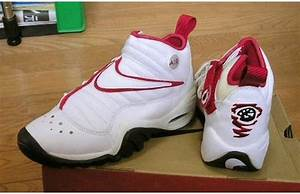 The 90 Greatest Sneakers of the '90s | Seasons, The shakes ...