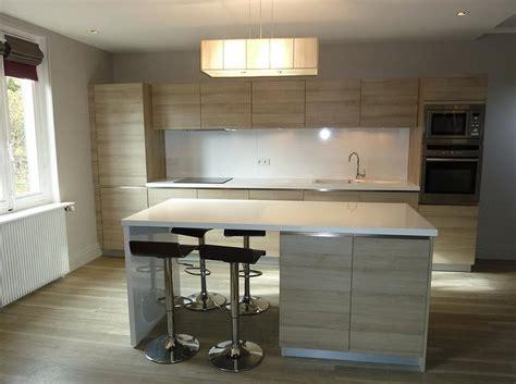 cuisine avec ilot central et bar grande cuisine avec ilot central tage maison moderne 4