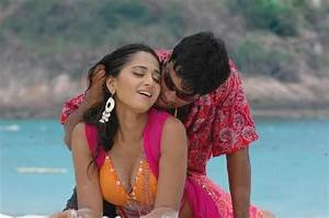 What are some of the hottest songs of Anushka Shetty? - Quora