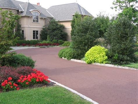 driveway landscape design front yard landscape ideas that make an impression