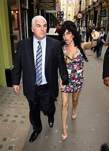 "Amy Winehouse's Dad Unhappy w/ Beyoncé's ""Back to Black"""
