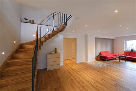 Treppe Holz Metall by Treppe Aus Holz Metall 1 000 Qm Ausstellung In