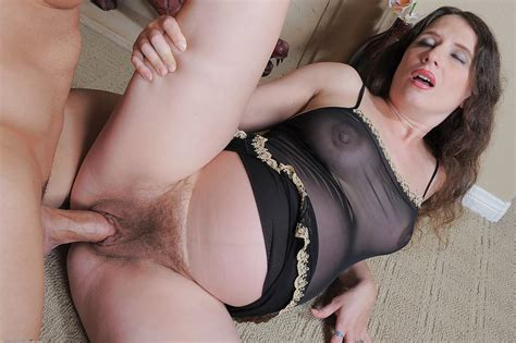 Mature Pregnant Slut Angela Getting Her Pussy Drilled And