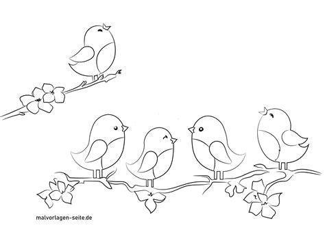 Oft handelt es sich um bastelvorlagen, die man am pc ausdrucken kann. Kostenlose Fensterbilder Vorlage mit Vögeln Frühling und Sommer