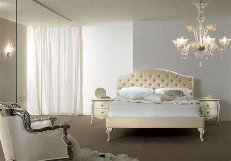 chambre 2 lits lit 2 places avec tête de lit beige capitonnée piermaria