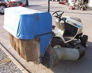 Bac De Ramassage Tracteur Tondeuse : tracteur tondeuse iseki sg13 122 cm ~ Nature-et-papiers.com Idées de Décoration