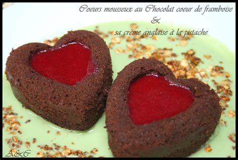 g 226 teau valentin duo de coeurs mousseux au chocolat miroir framboise et sa cr 232 me