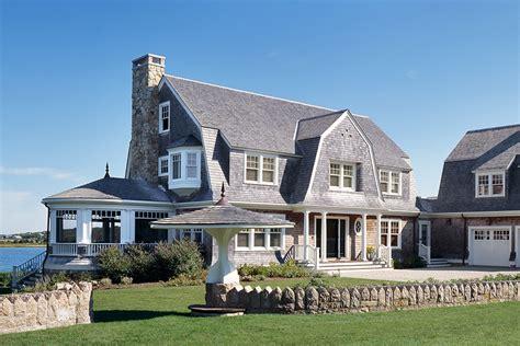 10 Classic Cape Cod Homes That Do Beach Decor Right ...