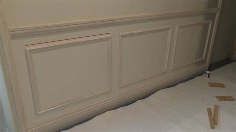 How To Install Raised Panel Wainscoting by How To Install Raised Panel Vs Recessed Panel Wainscoting