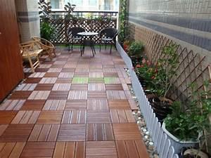 Bodenbelag Terrasse Holz : terrasse und balkon holzfliesen ideen und andere bodenbel ge ~ Whattoseeinmadrid.com Haus und Dekorationen