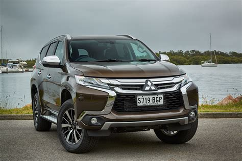 Image used here is of certain specification of specific year model for specified location. 2016 Mitsubishi Pajero Sport Review - photos | CarAdvice