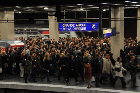 siege social ratp recrutement grève sur le rer a defense 92 fr