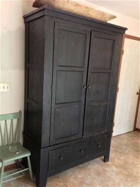 Craigslist Armoire by Broyhill Attic Heirlooms Armoire Craigslist Finds In