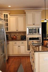 best 25 yellow kitchen walls ideas on pinterest yellow With kitchen colors with white cabinets with off white sticker