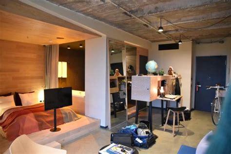 24 Hours Hotel Berlin by Jungle L Room 516 Bild 25hours Hotel Berlin