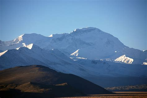 10 Cho Oyu Close Up Early Morning From Across Tingri Plain