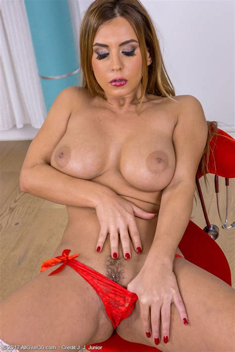 Mature Pictures Featuring Year Old Dorothy Black From