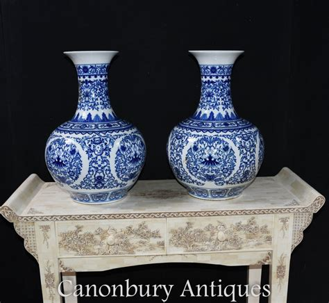 pair blue  white porcelain vases chinese ming temple urns