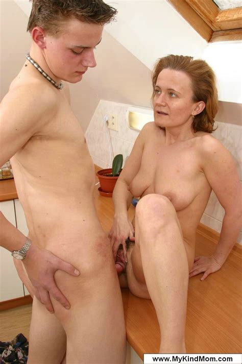Mothers Who Fuck There Sons Tubezzz Porn Photos