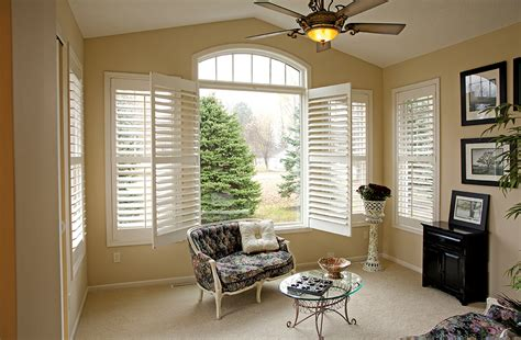 plantation shutters  easy   increase home  rockler shutter jigs