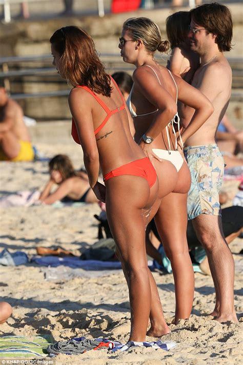 Brazilian Beach Babes Xxgasm
