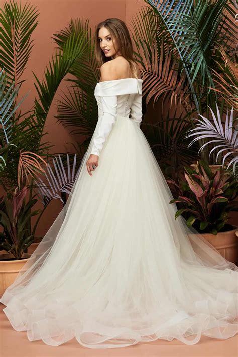 wedding dresses  princess eugenies bridal gown