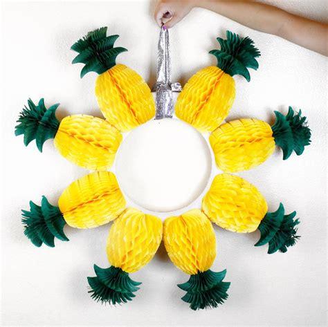 diy pineapple wreath allfreeholidaycraftscom