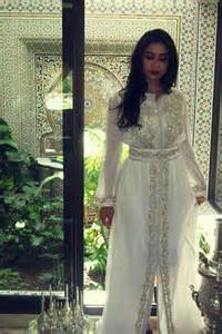 takchita moroccon in white color trendyoutlook