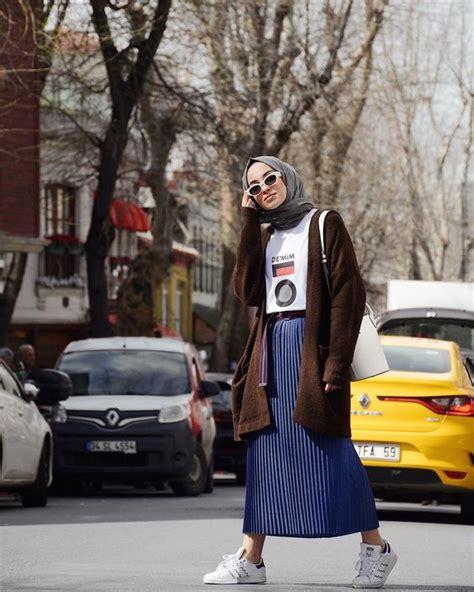 kamu hijabers  suka tampil sporty coba rok plisket