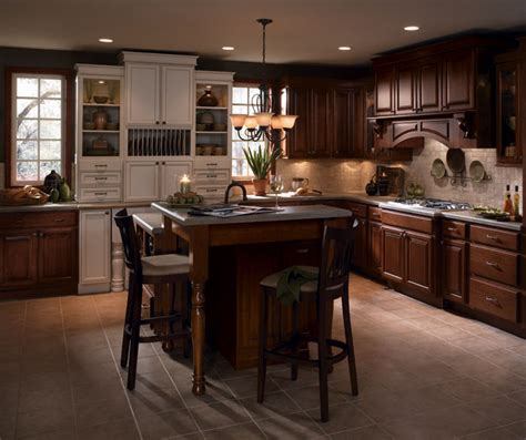 cherry wood kitchen cabinets  laminate accents