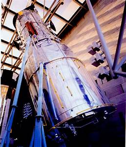 Edwin Hubble's Memorial - Pics about space