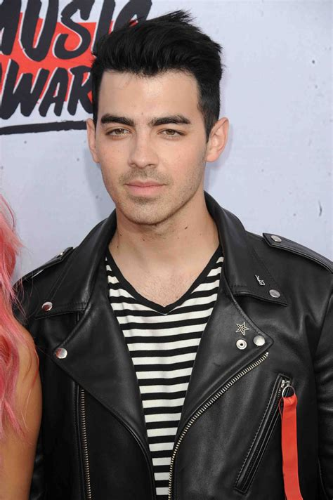 Joe Jonas: Alles ist online!