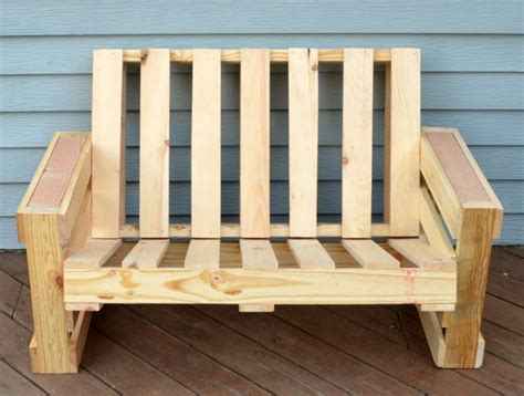 diy plans  build  bench  pallets guide patterns